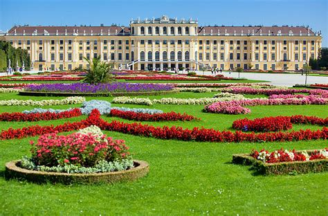 visiting vienna s schonbrunn palace highlights tips