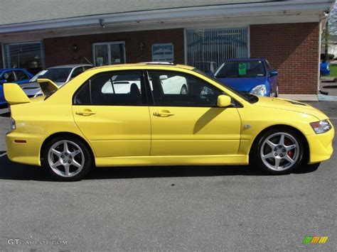 mitsubishi yellow 2004 lightning yellow mitsubishi lancer evolution viii