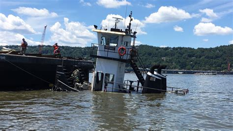 tugboat sinks tappan zee tugboat partially sinks near tappan zee bridge 171 cbs new york