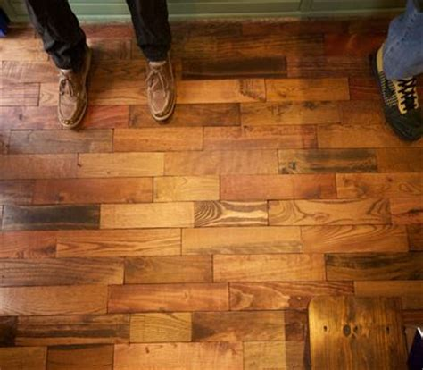 Staggered Wood Floor by Best 25 Wood Pallet Flooring Ideas On Pallet
