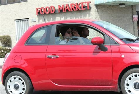 fiat downtown los angeles zac efron spotted in fiat 500 after brawl in los angeles