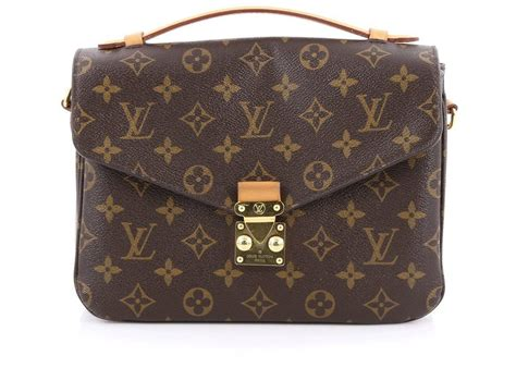 Jual Tas Lv Metis Pochette Monogram Original how much is jenner s bag collection worth
