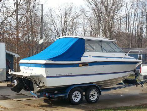 bayliner boats for sale in wv 1987 23 foot trophy hardtop bayliner fishing boat for sale