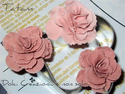 come si fanno i fiori di zucchero roselline in pasta di zucchero tutorial dolci