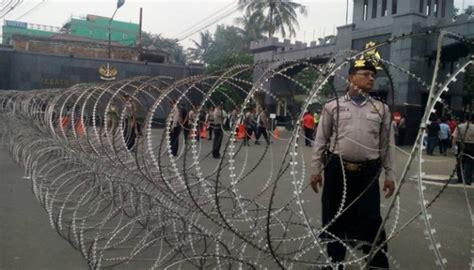 ahok prison ahok not transferred following prison riot metro tempo