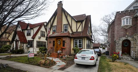 donald trumps house donald trump s childhood home goes to auction