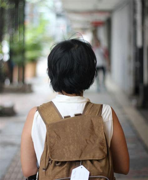 Bedak Flormar 9 atribut yang wajib dibawa wanita saat traveling