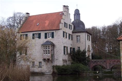 haus dellwig wasserschloss haus dellwig in dortmund architektur