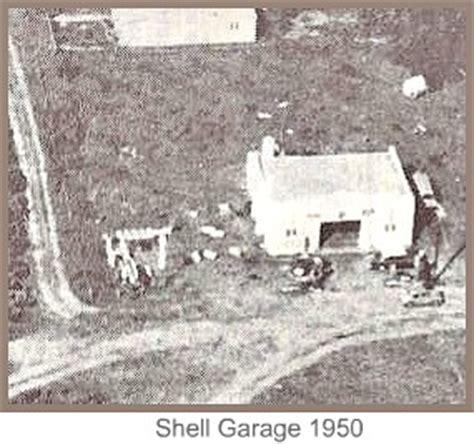 Local Shell Garage by Kiewietjie
