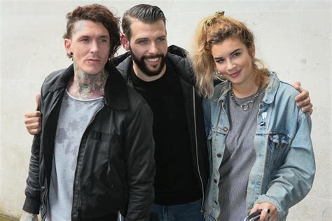 tattoo fixers ed sheeran ed sheeran s tattoo artist kevin paul slams tattoo fixers