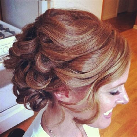 Wedding Hairstyles For Medium Length Wavy Hair by 25 Effortless Updos For Medium Length Hair Hairstyle For