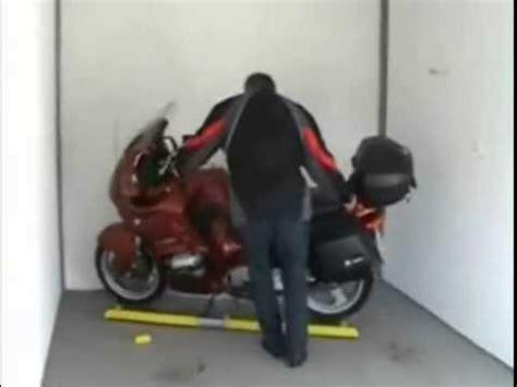 Rangierhilfe Motorrad Einfach Genial by Motorrad Rangierhilfe Bike Tsch 228 Ck Raus Doovi
