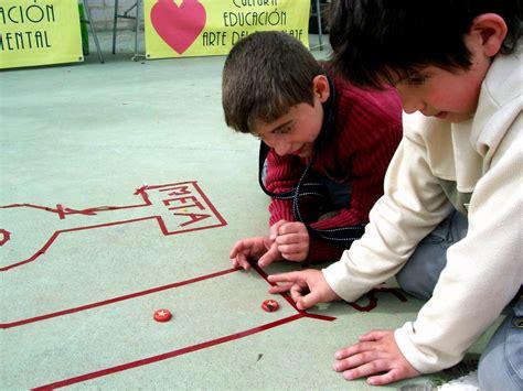 imagenes niños jugando a las canicas 00605 canicas juego con canicas iv carrera