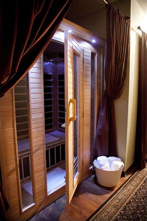 Tub Vs Sauna For Detox by Infrared Saunas Vs Traditional Saunas Botanica Day Spa
