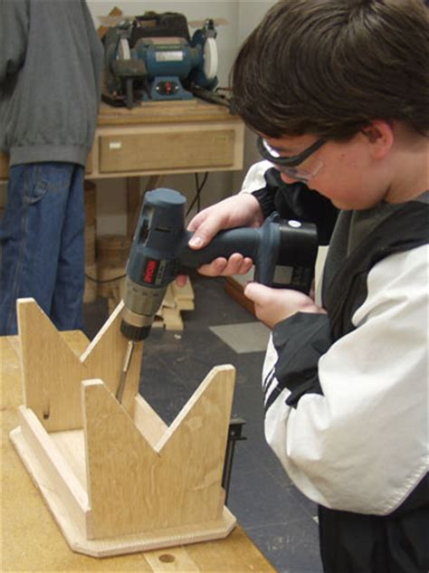 kid woodworking projects kid s woodworking project a small bench finewoodworking