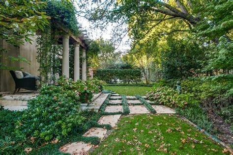 5 dallas homes with landscape designs to make you green
