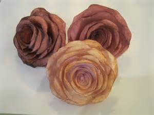 Paper Flower Making Rose - how to make pretty paper roses robotloveandcrafts s blog