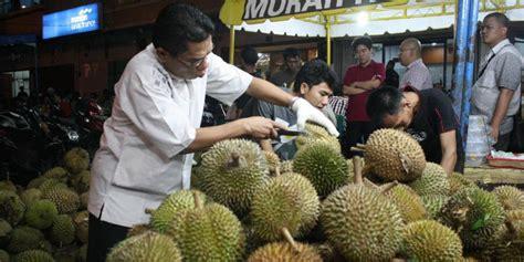 Durian Mangkok Asli Medan Mengapa Durian Di Medan Selalu Ada Tiap Hari Ini Dia
