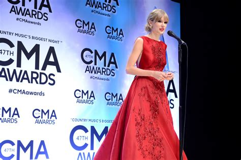 country music events in nashville 2013 taylor swift country music association awards 2013 21