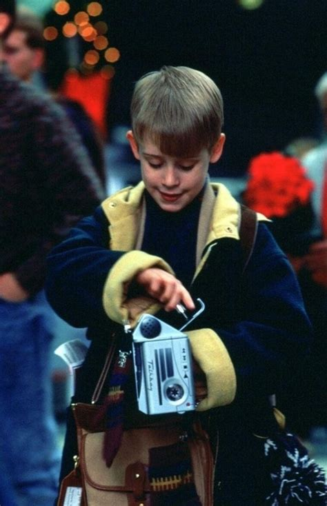 macaulay culkin as kevin mccallister in home alone ii