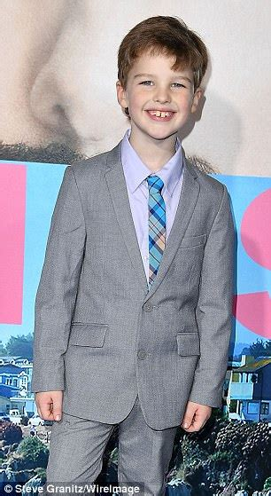 how old is actor young sheldon cbs confirms big bang theory prequel about sheldon cooper