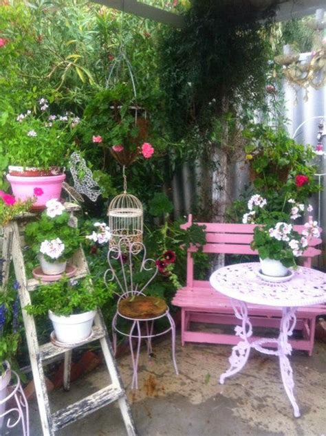 Olivia S Romantic Home Kim S Shabby Chic Pink Palace Home Shabby Chic Gardens