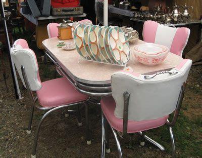 Pink Kitchen Table Best 25 Vintage Kitchen Tables Ideas On Retro Kitchen Tables Retro Table And