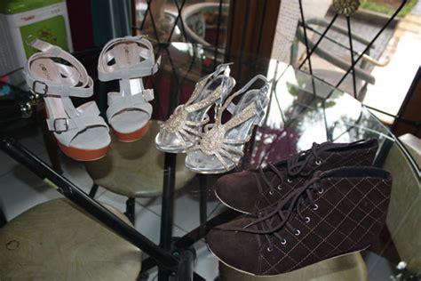 538lud Sepatu Wedges Casual Formal Perempuan Wanita Cewek Hak 5 Cm sepatu produk partner pesanan pada tanggal 17 agustus 2014