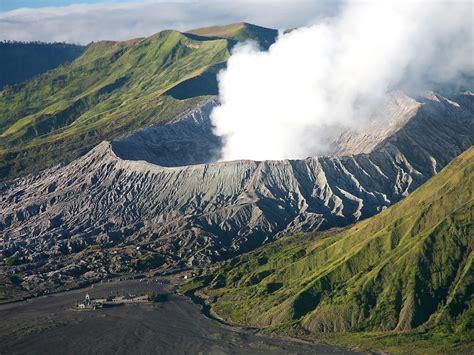 Di Indonesia universe mount bromo volcano
