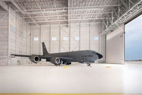 building  airplane hangar  worlds largest warehouse