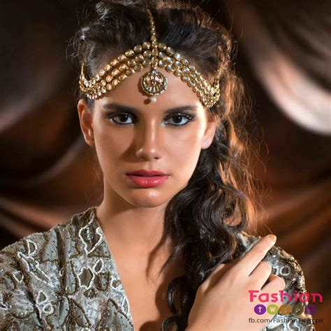 one sided best matha patti or maang tikka hairstyles for party 2017 matha patti and mang tikka hairstyles for party 2018