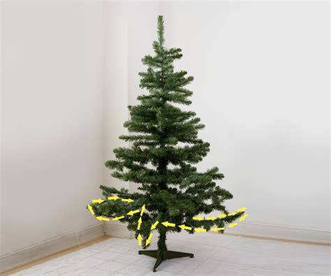 here are the 3 best ways to hang tree lights