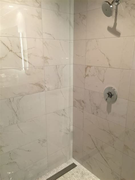 calcutta marble bathroom the 25 best polished porcelain tiles ideas on pinterest