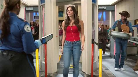 old navy commercial actress pants old navy tv spot seguridad aeroportuaria con dascha