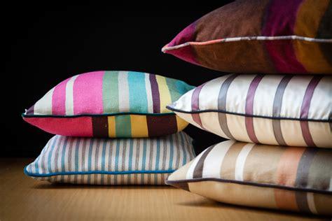 confezionare cuscini workshop di cucito come confezionare un cuscino arredo
