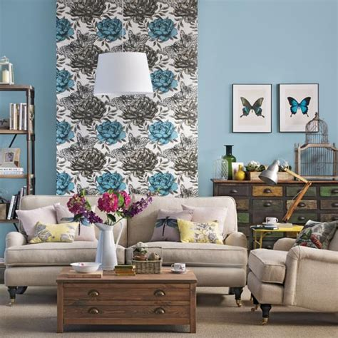 Feature Wall Wallpaper Ideas Living Room by Living Room With Floral Wallpaper Feature Wall