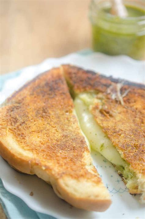 Link Mozzarella And Pesto Grilled Cheese by Pesto Grilled Cheese S Ambrosia