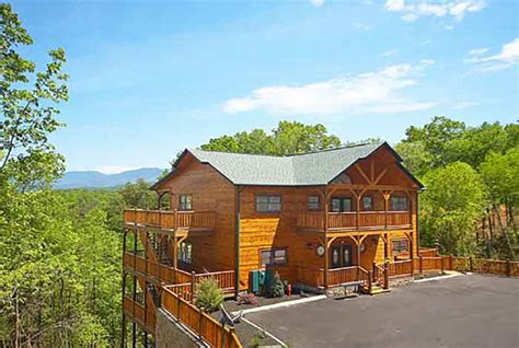 Gatlinburg Falls Cabins For Rent by Large 8 12 Br Cabins In Gatlinburg Pigeon Forge Tn