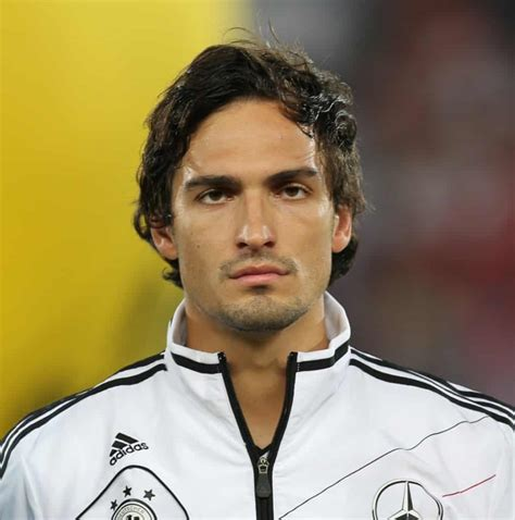 manchester united priority target mats hummels clever bets