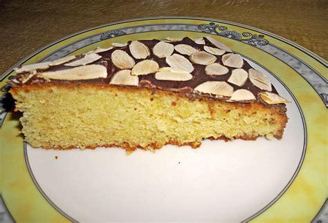 kuchen mit marzipan amaretto mandel kuchen mit marzipan rezept mit bild