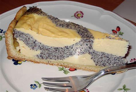 kuchen mit mohn mohn quark fleckerl kuchen rezept mit bild