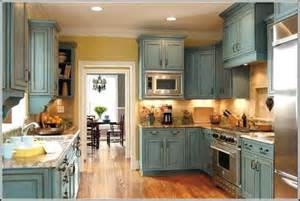 How To Paint Old Kitchen Cabinets Ideas Paint Kitchen Cabinets With Antique Glazed Kitchen