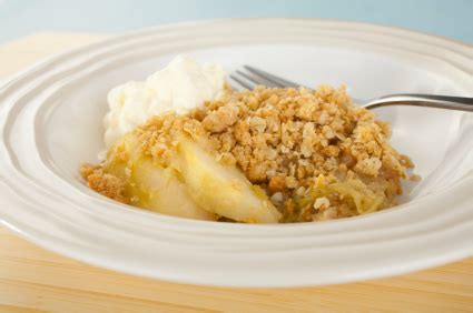 how to make apple crumble – nutrition for swimmers