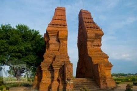 Gapura 15meter 10 peninggalan kerajaan majapahit beserta gambarnya paling lengkap sejarah lengkap