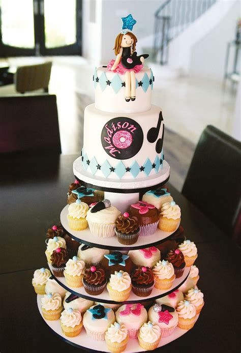 images  rockstar glam ideas  pinterest microphone cupcakes party rock