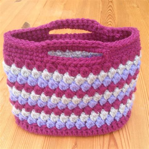 crochet bag base pattern crochet bag using chunky and treble clusters with an oval