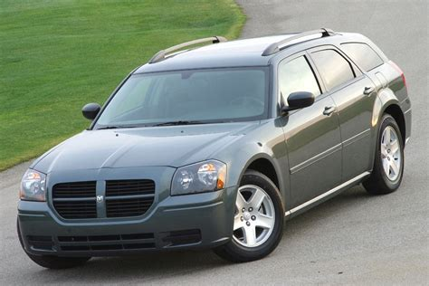 is a dodge magnum a car 2005 dodge magnum reviews specs and prices cars