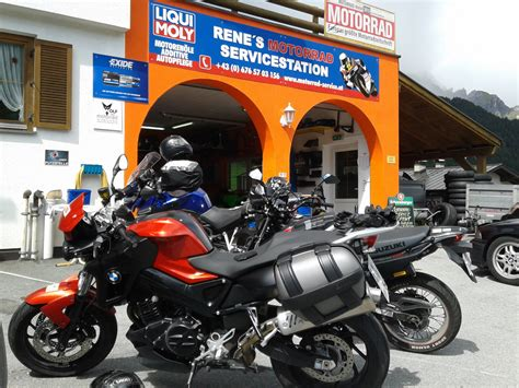 Motorradtouren Wer F Hrt Mit by Das Perfekte Motorrad Hotel 10 W 252 Nsche An Biker Wirte