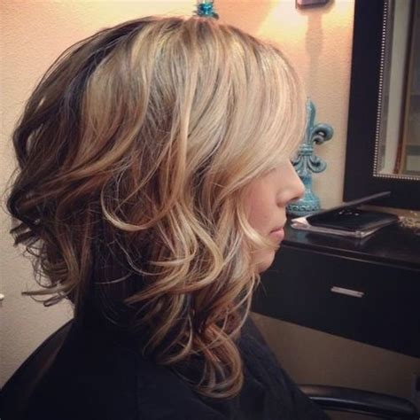 wavy inverted bob hairstyles wwwpixsharkcom images 10 stylish wavy bob hairstyles for medium short hair