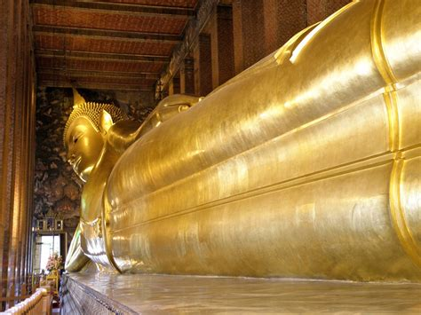 giant reclining buddha wat pho the sleeping giant buddha thailand one travelogics